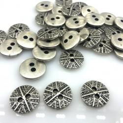 Guzik metalowy srebro wzór laserowy