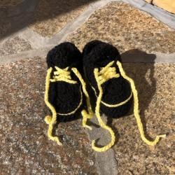 Buciki adidaski Czarny/żółty, 10-11,5 cm